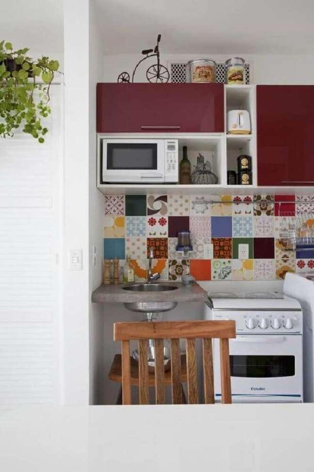 36. Os azulejos decorativos são muito usados na decoração de casas simples. Fonte: Wevans