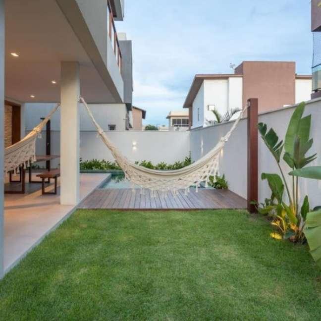 50. Quintal com piscina e rede para descanso – Foto Casa 179