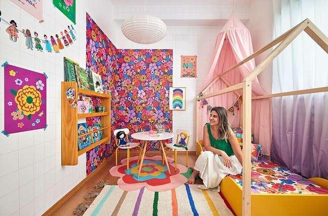 8. Sobreposição de tapetes para decoração de quarto infantil romântico – Foto: Marcos Fertonani para MOOUI
