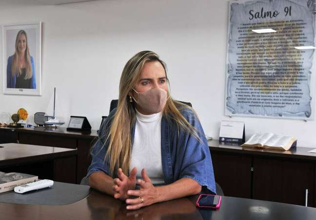 Deputada Celina Leão criticou veto do presidente Jair Bolsonaro a projeto que prevê distribuição de absorventes