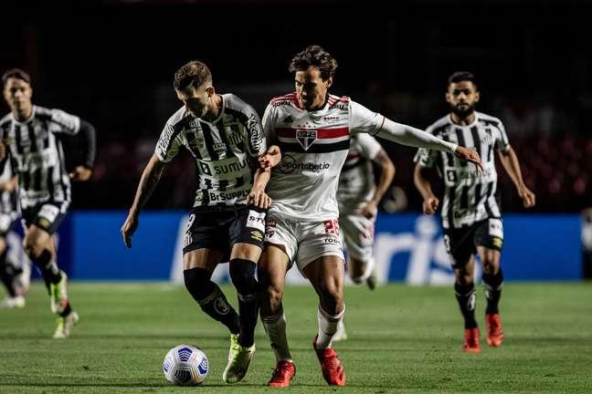 São Paulo e Santos empatam por 1 a 1 e seguem próximos ao Z4