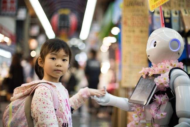 Menina e robô