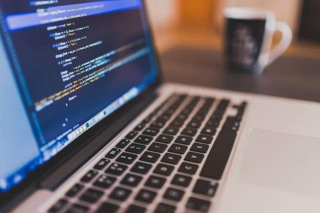 Empresas abrem vagas para capacitação em tecnologia