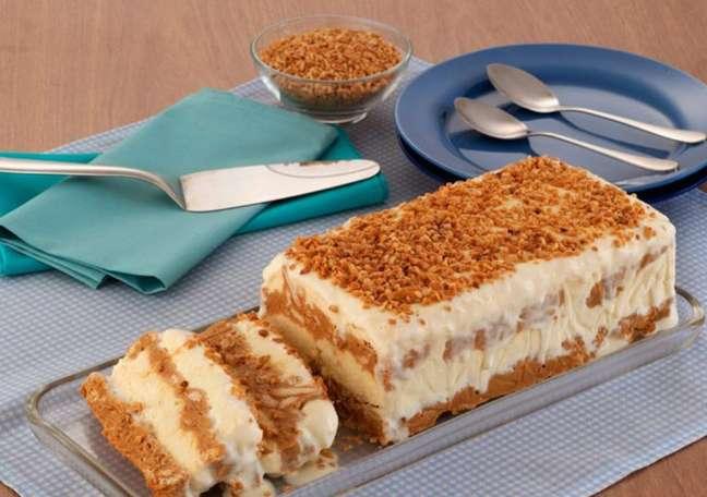 Guia da Cozinha - Pavê de amendoim com doce de leite cremoso