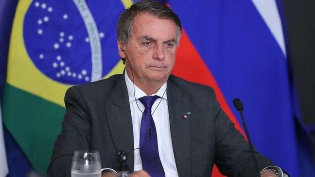 Jair Bolsonaro quer subsidiar casas de policiais militares