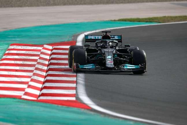 Hamilton dominou sexta-feira na Turquia