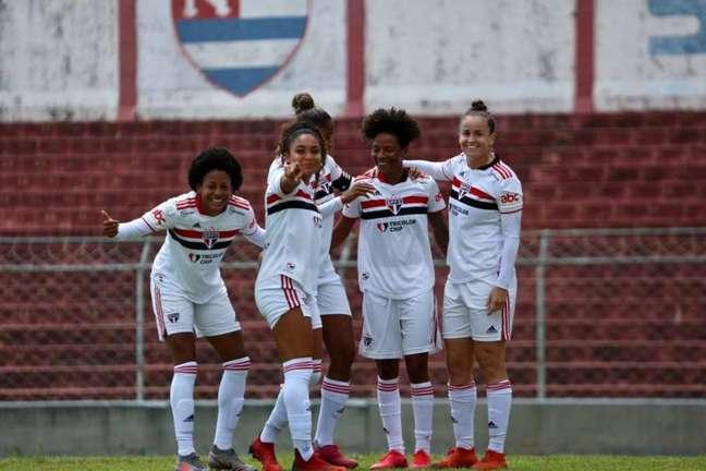 O time feminino do São Paulo vai encarar o Palmeiras neste domingo (Foto: Gabriela Montesano/saopaulofc.net)