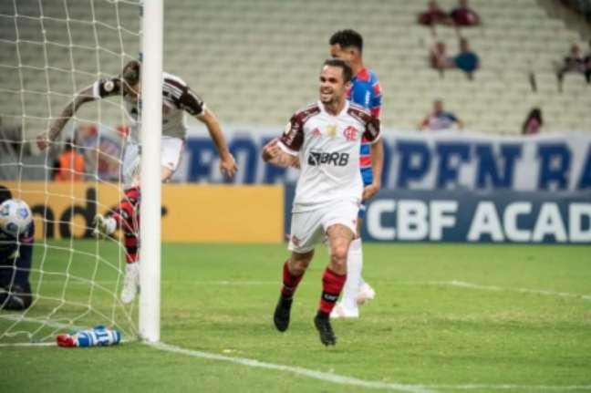 Michael marcou dois gols contra o Fortaleza e chegou a 11 na temporada (Foto: Alexandre Vidal / Flamengo)
