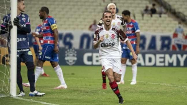 Michael marcou dois gols contra o Fortaleza (Foto: Alexandre Vidal / Flamengo)