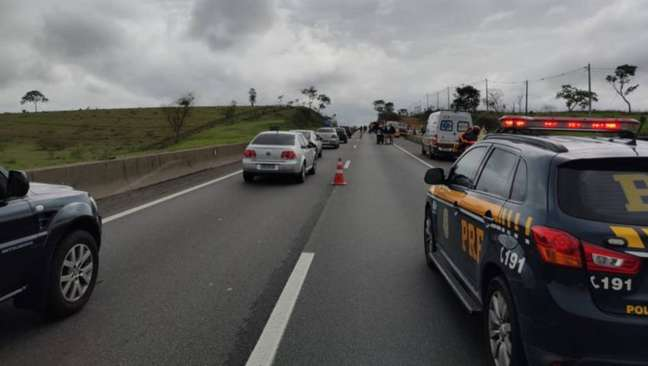 Acidente ocorreu na manhã desta domingo, 10, na rodovia Presidente Dutra, em Pindamonhangaba