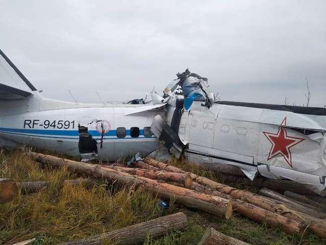Queda de avião na Rússia deixou 16 mortos.
