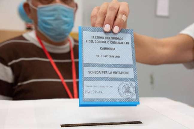 Sardenha e Sicília vão às urnas em eleições municipais