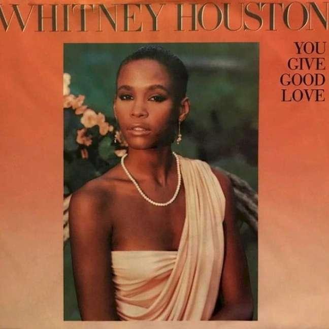 O disco de estreia de Whitney Houston |