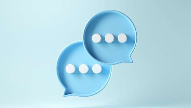 É possível seguir dicas sobre como iniciar uma conversa aleatória e encerrar o papo sem ser mal educado