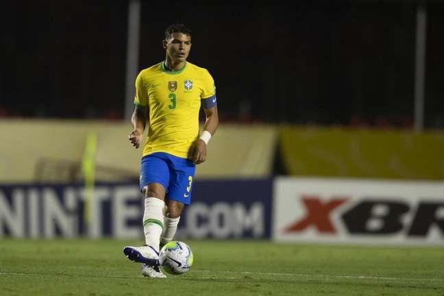 Thiago Silva afirmou que poderia jogar como terceiro zagueiro na Seleção (Lucas Figueiredo/CBF)