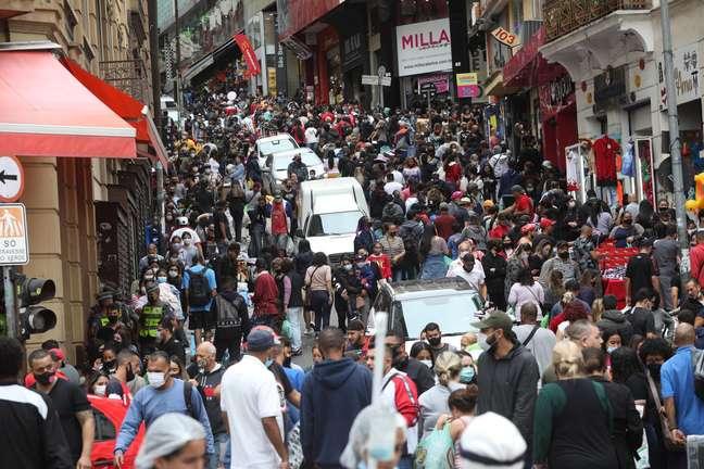 Desigualdade cresce mais no Brasil do que no restante do mundo na pandemia