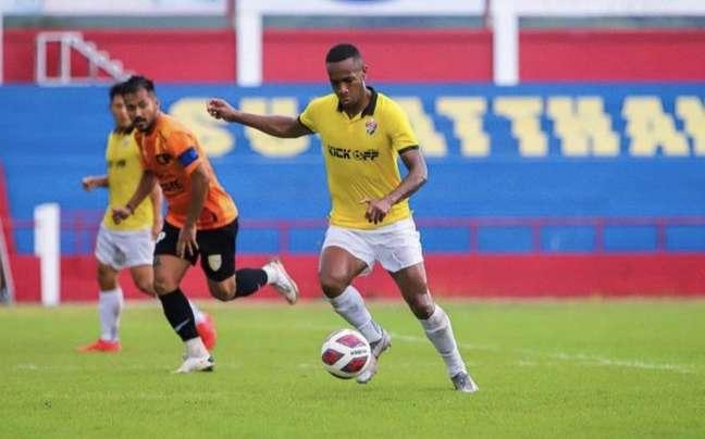 Natan Oliveira faz bom trabalho no futebol tailandês (Divulgação / Songkhla)