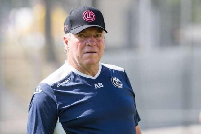 Abel Braga ficou menos de três meses no comando do Lugano, da Suíça (Foto: Divulgação / FC Lugano)