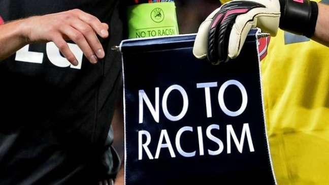 Una campagna contro il razzismo della European Football Association