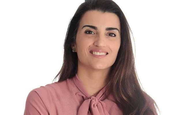 """Carolina Rezemini dá a dica para usar seu celular como """"ponte"""" com o banco"""
