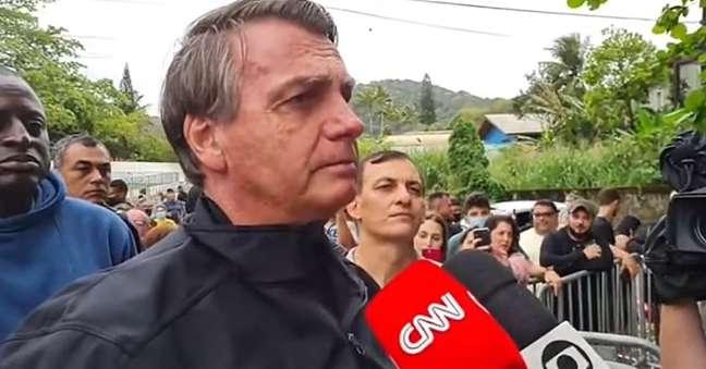 Bolsonaro na entrevista inesperada: artilharia pesada contra a imprensa e, especialmente, a Globo