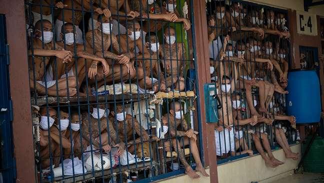 El Salvador tem a maior taxa de prisioneiros per capita da América Latina e do Caribe, mas vários países têm prisões ainda mais superlotadas
