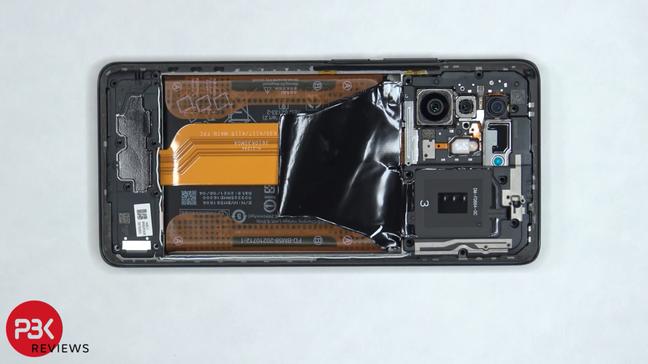 Parte de trás do Xiaomi 11T Pro sem a tampa de vidro