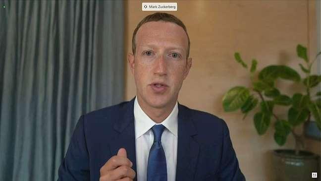 Zuckerberg, CEO do Facebook, testemunha remotamente em comitê do Senado norte-americano. 17/11/2020. Senate Judiciary Committee via REUTERS