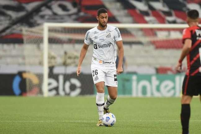 O zagueiro Robson Reis é o mais próximo de retornar ao Santos (Foto: Ivan Storti/SantosFC)
