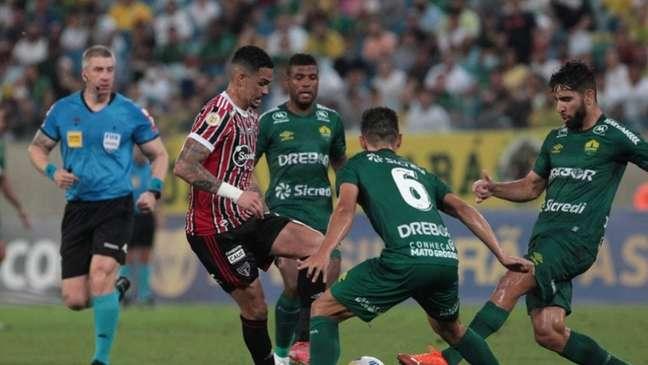 Tricolor empatou os seis jogos que disputou contra times que subiram (Foto: Rubens Chiri / saopaulofc.net)