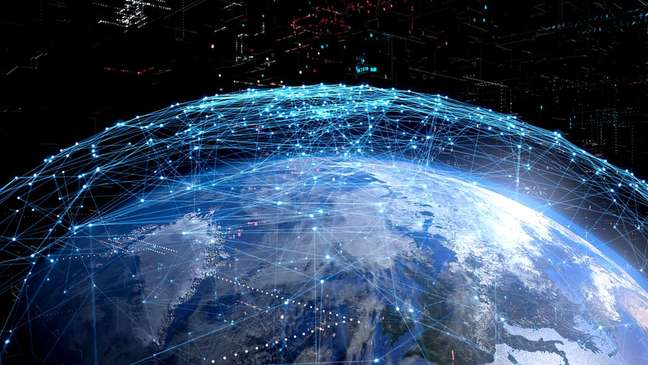 Especialistas dizem que os serviços de internet se tornaram muito centralizados