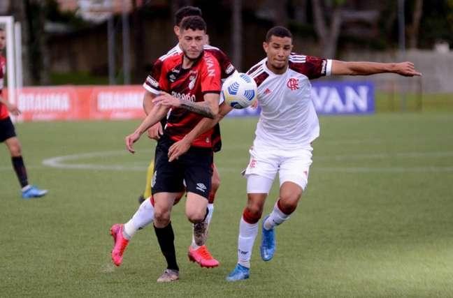 Flamengo venceu de virada o Athletico, fora de casa (Foto: Cahuê Miranda/Athletico Paranaense)