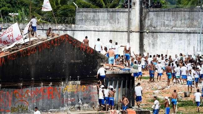 No presídio de Alcaçuz, região metropolitana de Natal, 26 presos foram mortos durante uma briga entre facções criminosas
