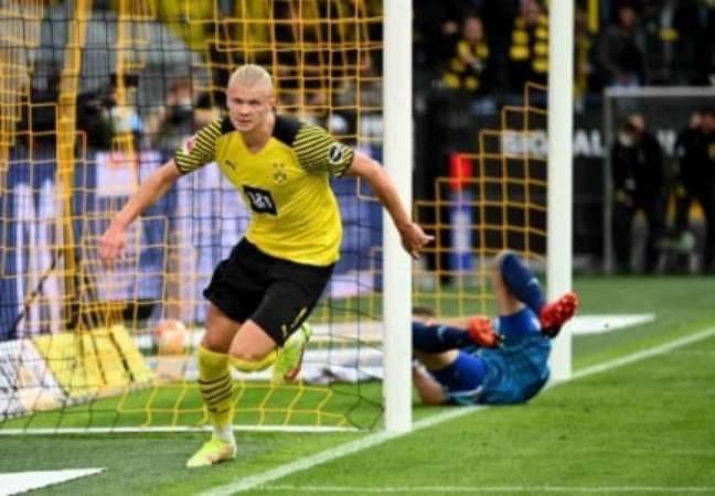 Haaland não deve seguir no Dortmund (Foto: INA FASSBENDER / AFP)