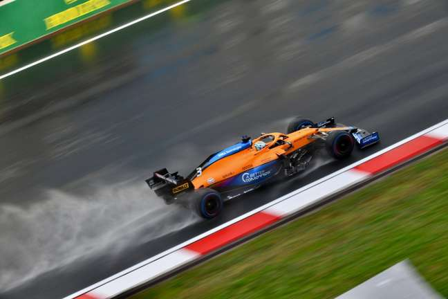 Daniel Ricciardo não via possibilidades de alcançar Carlos Sainz na Turquia