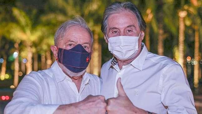Lula e o ex-senador Eunício Oliveira (MDB-CE) durante encontro em Brasília