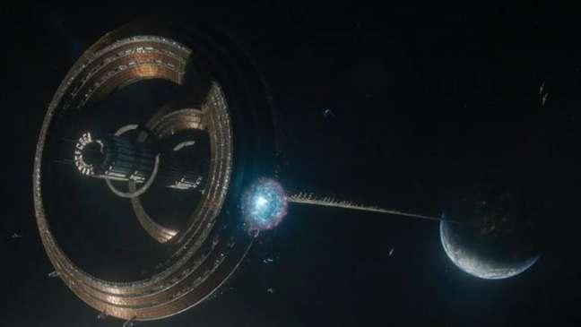 Nas séries Império Galáctico e Fundação, Isaac Asimov descreveu Trantor como o planeta mais próximo do centro da galáxia