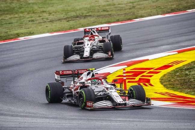 Dupla da Alfa Romeo em ação no GP da Turquia