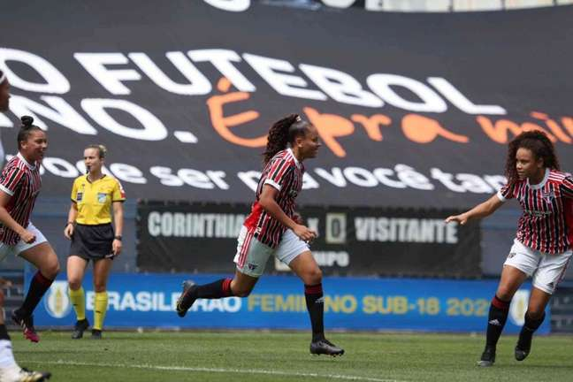 Milena foi destaque do São Paulo no Brasileiro Feminino sub-18 (Foto: Gabriela Montesano/São Paulo FC)