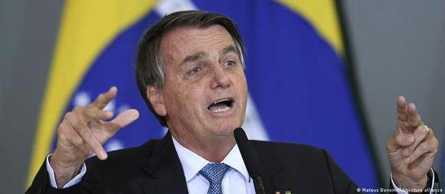 """""""Nossa expectativa é que as emissões por CO2 provocadas pelo desmatamento continuem a subir enquanto Bolsonaro for presidente"""", disse ONG em denúncia ao TPI"""