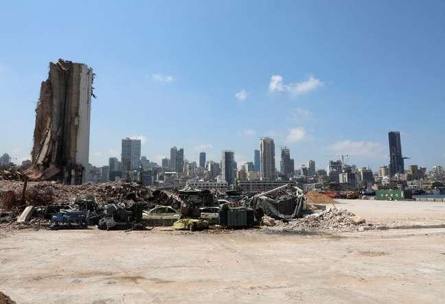 Destruição provocada por explosão em Beirute 27/07/2021 REUTERS/Mohamed Azakir