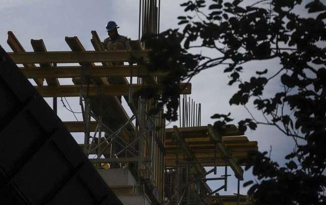 Construção de prédio em São Paulo 1/4/2020  REUTERS/Rahel Patrasso