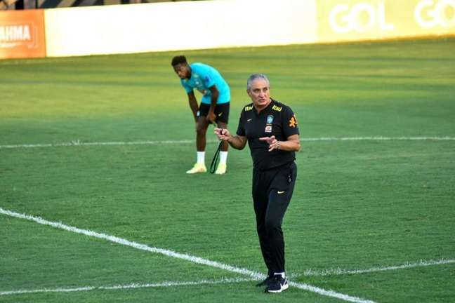 Tite pode promover mudanças na Seleção Brasileira contra o Uruguai (Foto: Divulgação/FAAR)