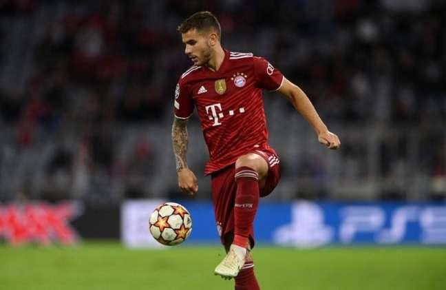 Lucas Hernández é um dos pilares defensivos do Bayern de Munique (Foto: CHRISTOF STACHE / AFP)