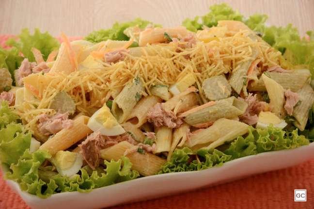 Guia da Cozinha - Salada colorida de atum com legumes