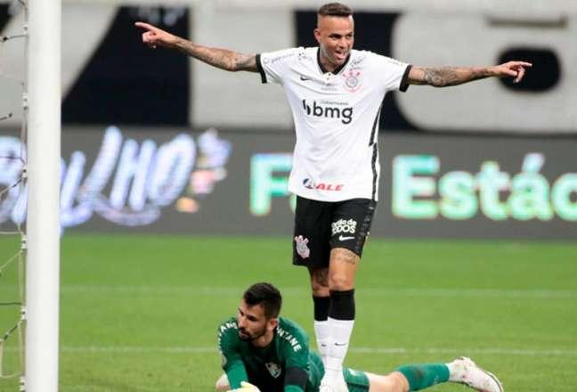 Há exatos nove meses, Luan fechou a goleada por 5 a 0 sobre o Flu na Arena (Foto: Rodrigo Coca/Agência Corinthians)