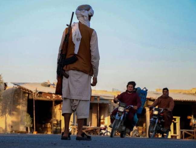 Talibã quer fim de sanções econômicas e reconhecimento formal do governo