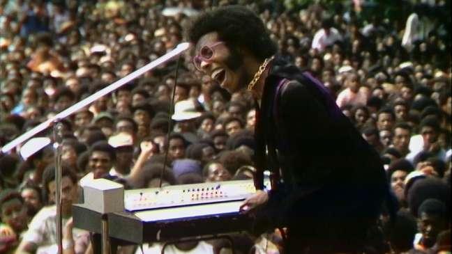"""Jimmy Hendrix no documentário """"Summer of Soul"""", que terá sessão aberta no Vale do Anhanagabaú"""