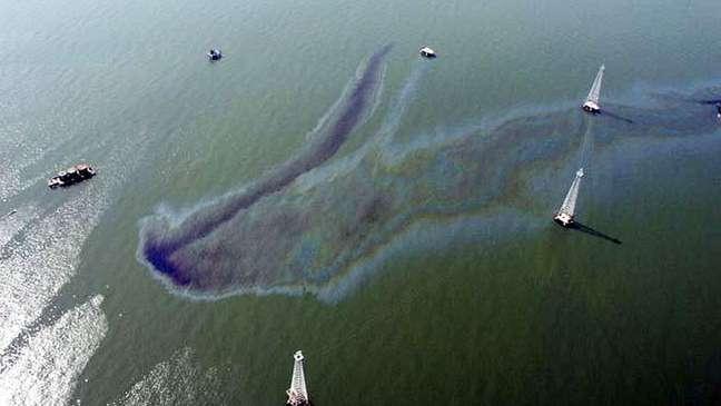 Derramamentos de óleo no Lago de Maracaibo são constantes