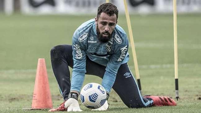 Jandrei foi contratado em agosto e ainda não estreou com a camisa do Santos (Foto: Ivan Storti/Santos)